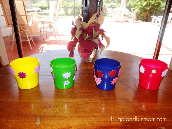 Frugal Gift Idea Decorated Pots! Cost Me Less Than $10.00 for 4!