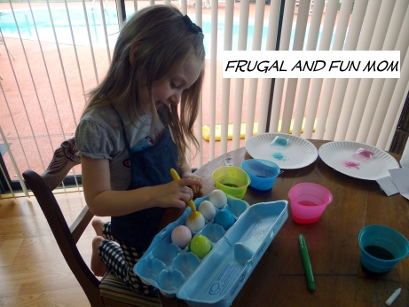 Paas egg decorating 4