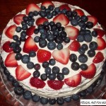Easy Red, White, and Blue Cake! A Simple, Yet Pretty Dessert!