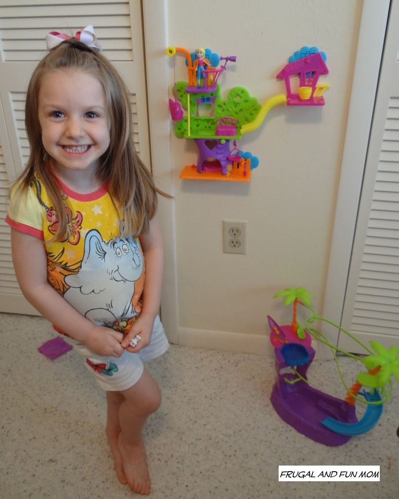 Polly Pocket Zipline Adventure Pool and Wall Party Tree House