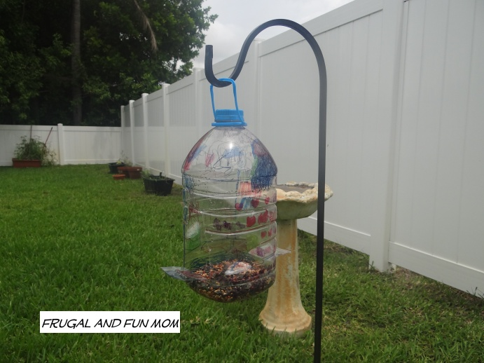 Homemade Bird Feeder with a Hawaiian Punch Jug! Easy DIY Children's Craft!