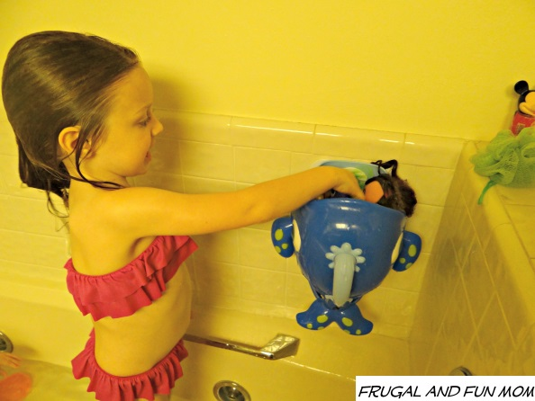 Clean up with Nuby Sea Scooper