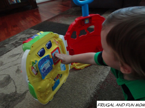 VTech Roll & Learn Activity Suitcase inside