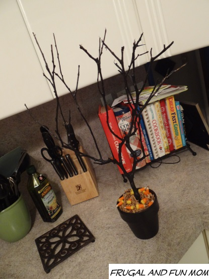 Halloween tree plain with out decor