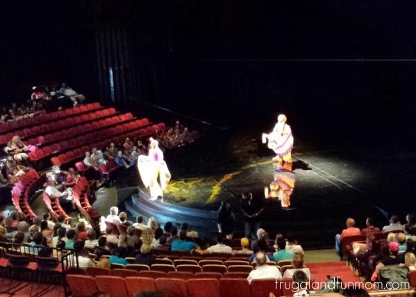 Preshow entertainment for Cirque du Soleil La Nouba Westgate Lakes Resort and Spa