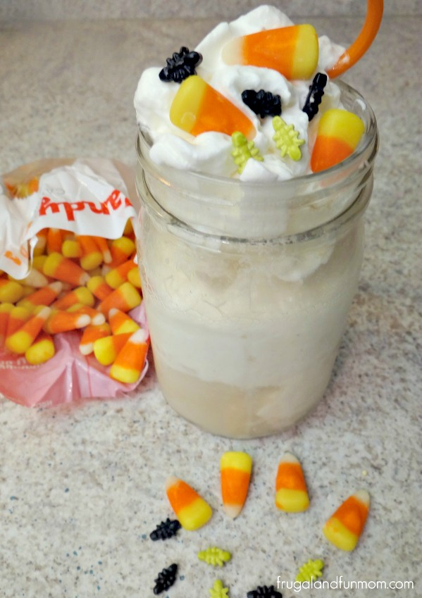 Spooky Ginger Ale Float! A Halloween Inspired Treat!