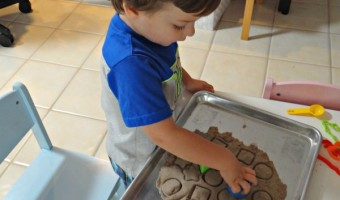 Teaching Shapes To My Toddler With Kinetic Sand!