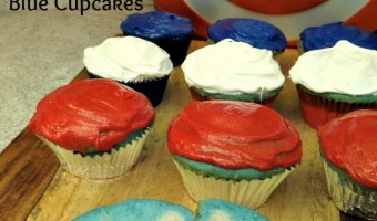Red White and Blue Cupcakes With $50 Fandango Gift Card Giveaway! #AvengersAgeOfUltron