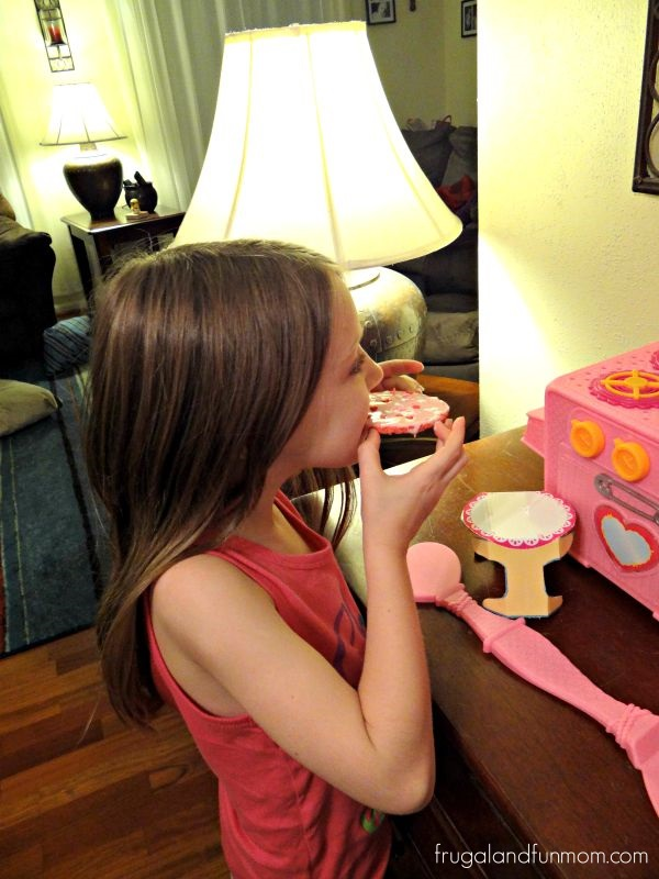 Eating the Lalaloopsy Baking Oven Cake