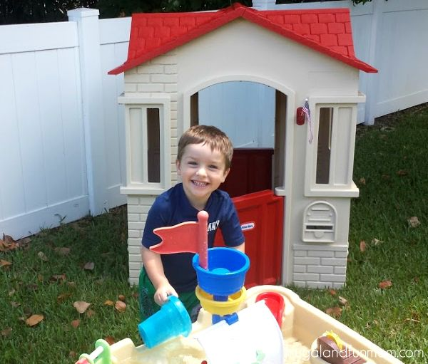 Little Tikes Cape Cottage Playhouse Playtime