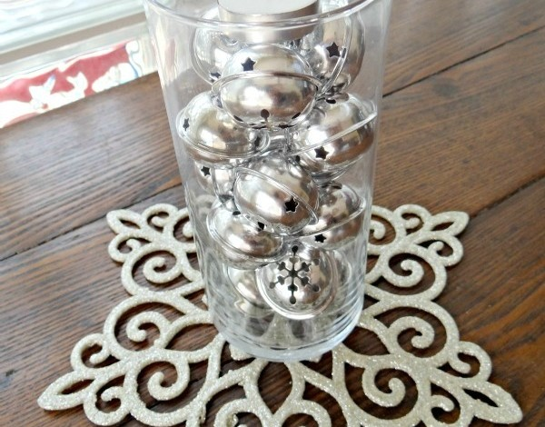 Do-It-Yourself Christmas Centerpiece Made With Decorative Bells!