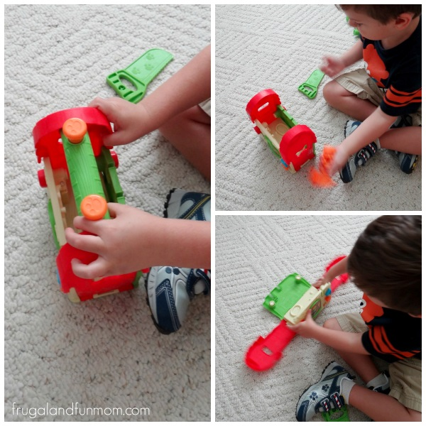 Playing with Scout's Build & Discover Tool Set LeapFrog