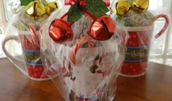 Christmas Coffee Mug Gifts For Teachers! #PackInMoreMemories