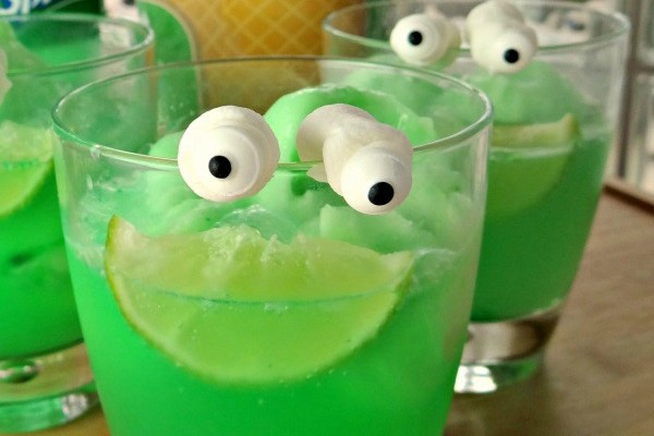 Goosebumps Inspired Monster Blood Sherbet Floats With Lawn Gnome Popcorn! #MakeItAMovieNight