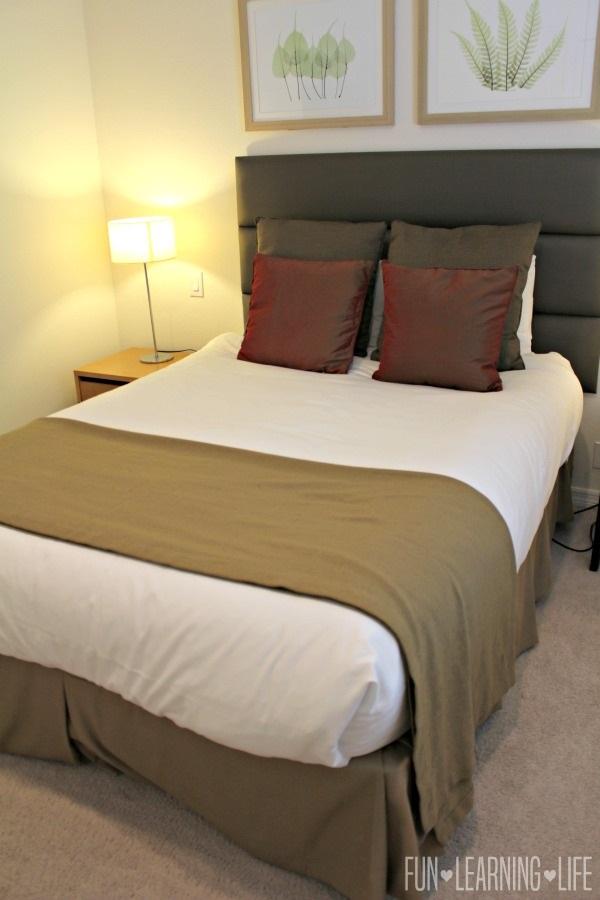 Encantada-Resort-in-Kissimmee-Florida-Bedroom-with-Queen-Bed