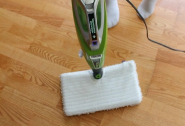 Review : 6 Benefits Of Owning The Shark Blast & Scrub 2-in-1 Steam Pocket Mop!