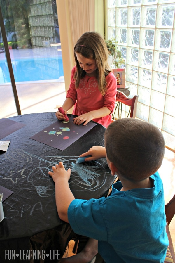 making-solar-systems-with-chalk-and-construction-paper