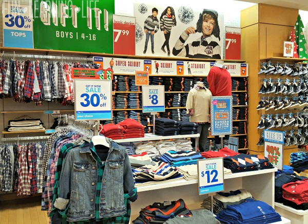 holiday-options-for-kids-at-the-childrens-place-at-sarasota-square-mall