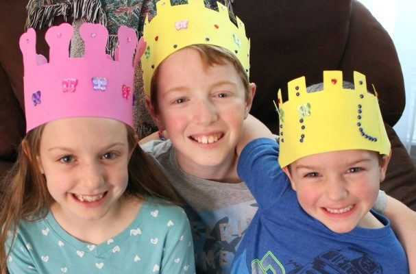 How To Make A Foam Crown Craft and Cartoon Network's My Knight and Me!