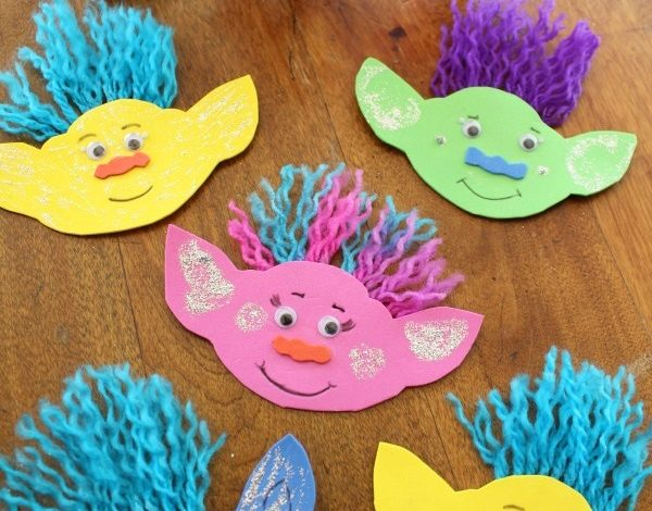 How To Make A Troll Magnet and Get Interactive With Trolls Blu-Ray Party Edition!