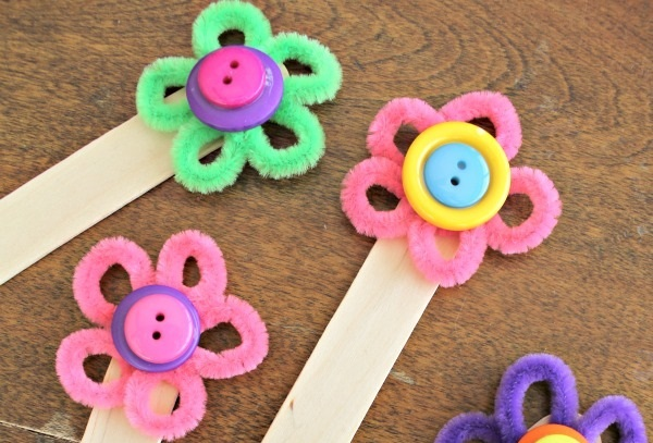 Flower Bookmark Craft, Colorful Way To Encourage Reading! {Giveaway}