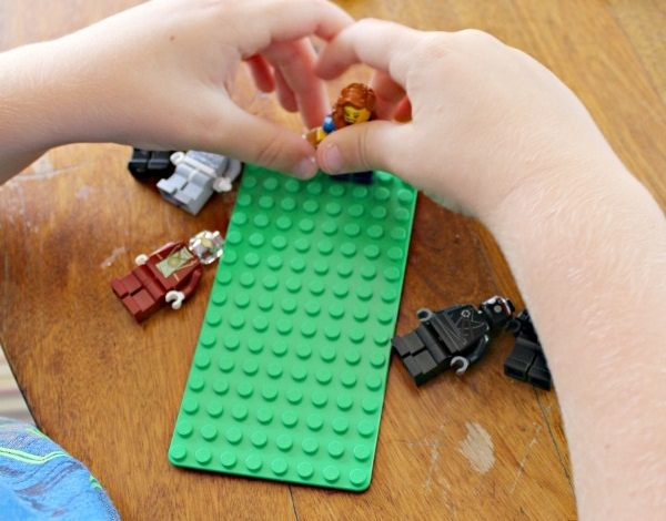 Minifigures Magnet Idea With LEGO® Brick Set GIVEAWAY from Growing Franchise!