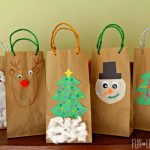 Homemade Holiday Gift Bags Craft!