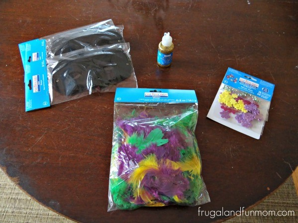 Make Your Own Mardi Gras Mask! Fun and Easy DIY Craft for the Kids!