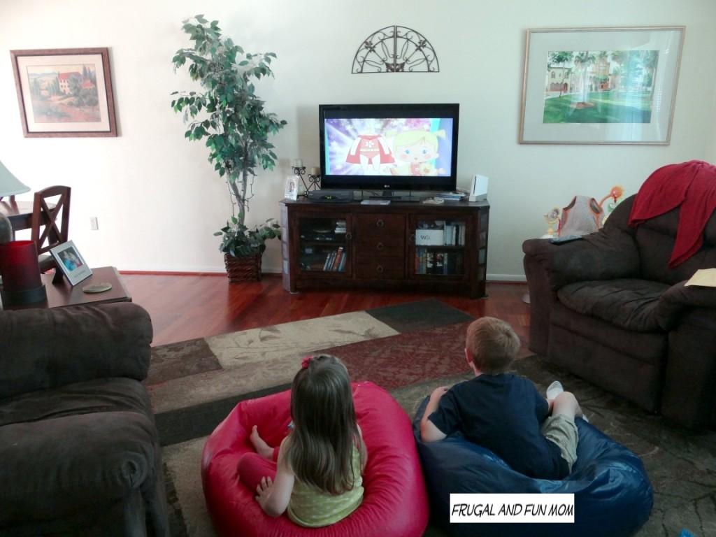 Kids watching Chloe's closet