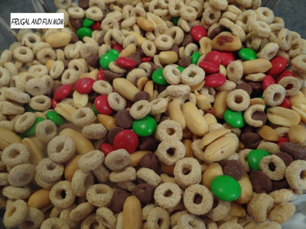Summer Vacation Trail Mix! Fun Ingredients That My Kids Love!