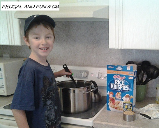 Kids making Rice Krispies