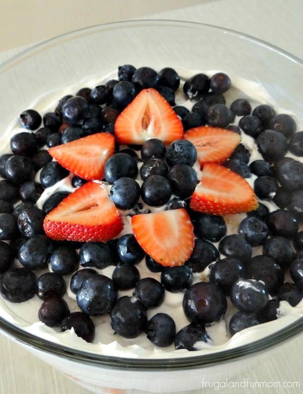 Easy-Red-White-and-Blue-Dessert