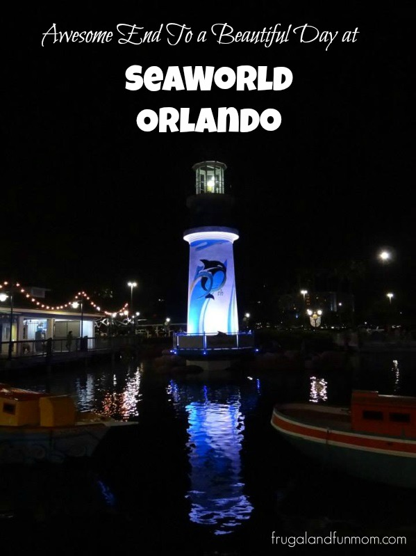 Seaworld-Entrance-Photo-at-Night