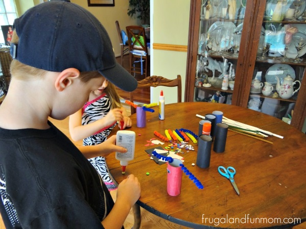 Tutorial -TP Roll Monsters!  An Easy Halloween Craft With Toilet Paper Cardboard Tubes!