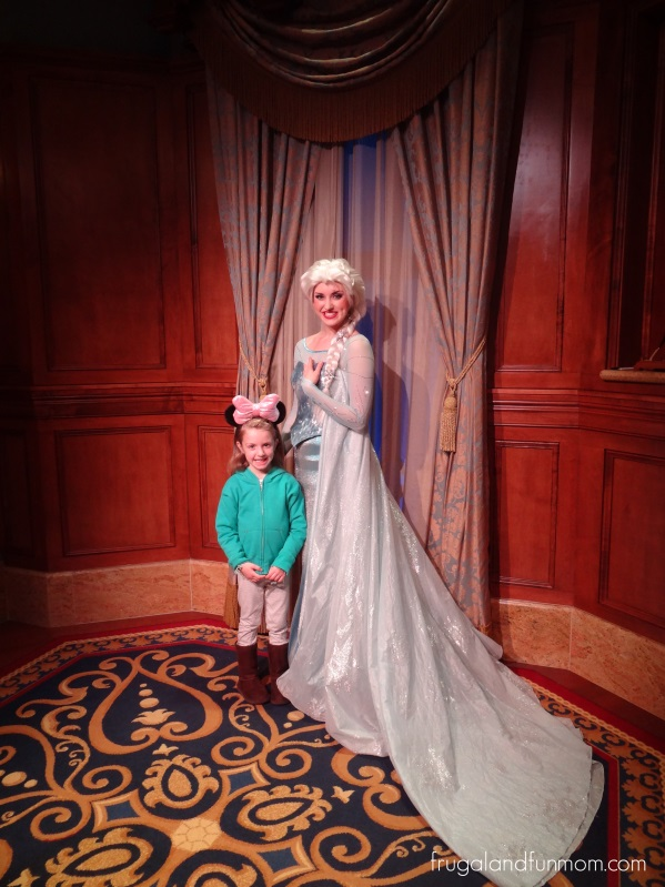 Elsa-at-Mickeys-Very-Merry-Christmas
