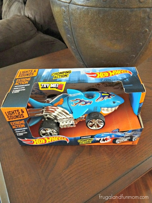 Hot Wheels Extreme Action Sharkruiser Car Box