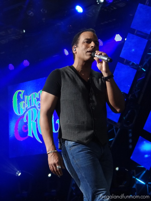 Jon-Secada-in-Concert-at-Epcot