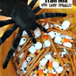Halloween Trail Mix With Candy Eyeballs! #Halloween