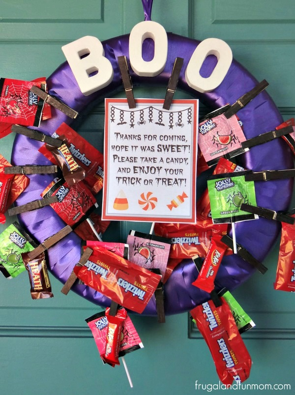 Halloween Candy Wreath With Sign