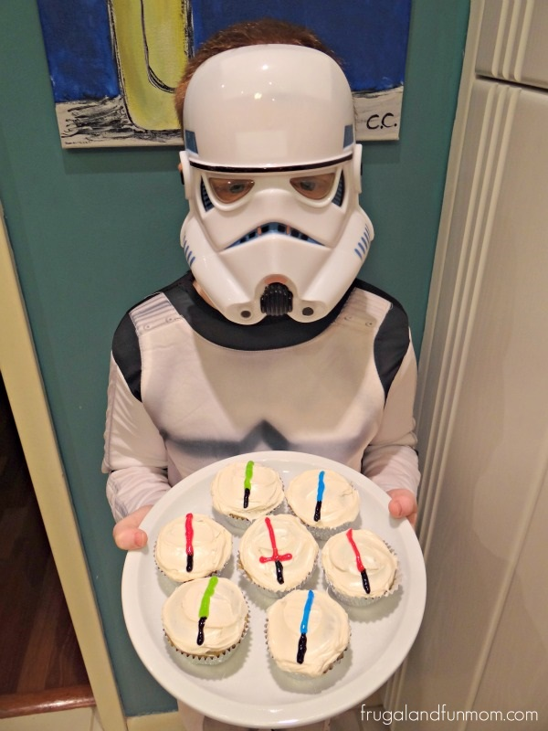 Lightsabers on Cupcakes