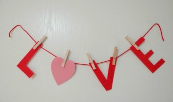 Easy Valentine's Day Banner Created With Foam! #ValentinesDay