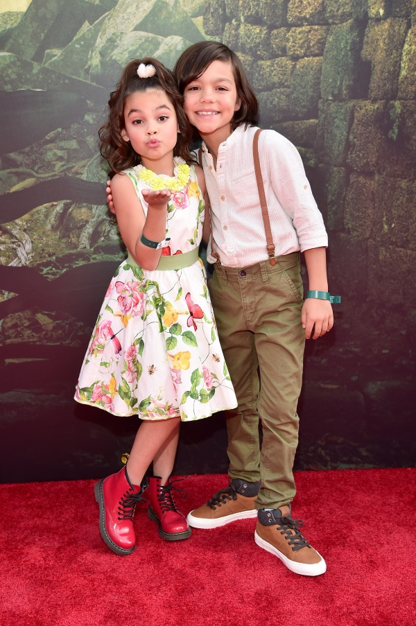 Cast-Members-of-Disney-In-the-Middle-World-Premiere-and-Red-Carpet-of-The-Jungle-Book