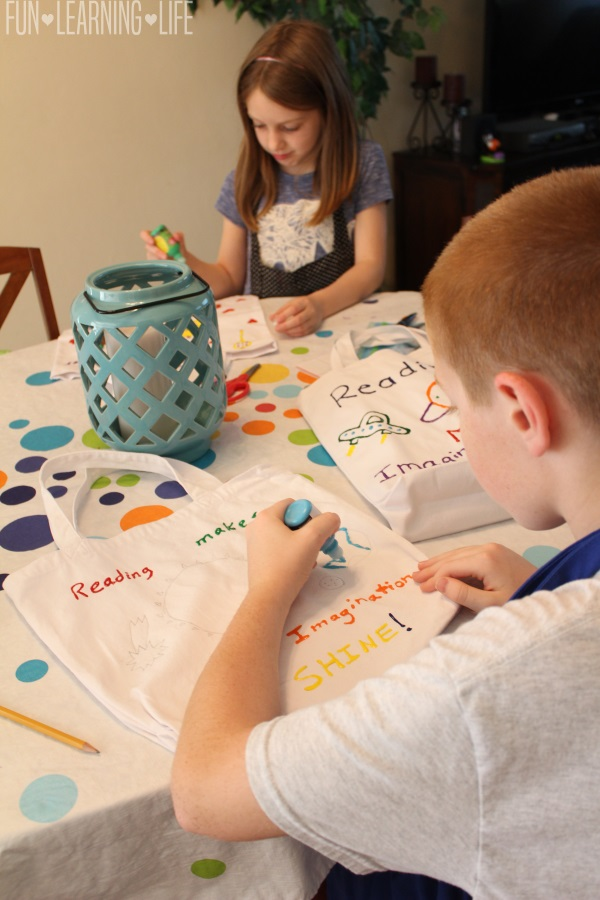 decorating-library-bag-craft