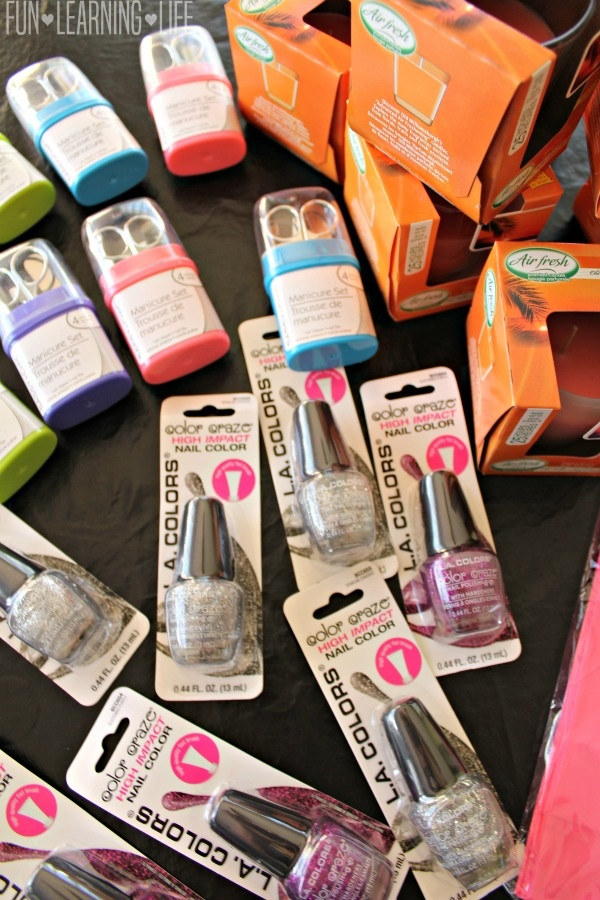 making-pamper-pack-gift-bags-from-the-dollar-store