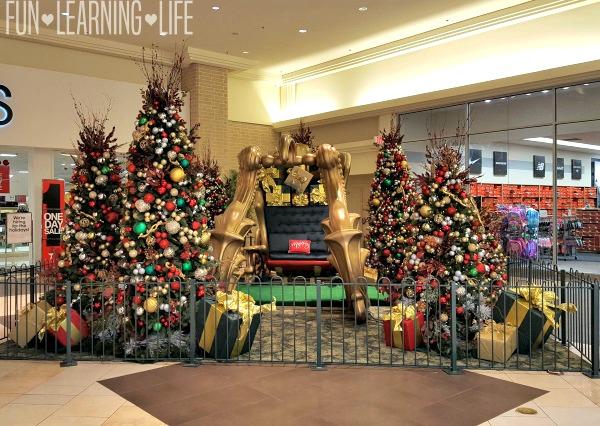 santas-sleigh-sarasota-square-mall