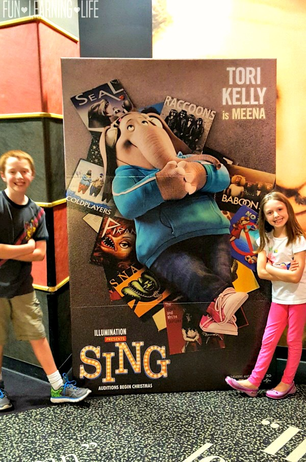 tori-kelly-as-meena-in-sing-movie