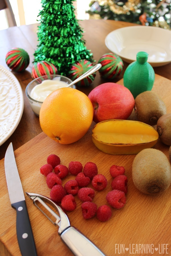how to make a fruit platter christmas tree