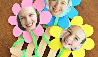Flower Frame Craft That Looks Like A Picket Fence!