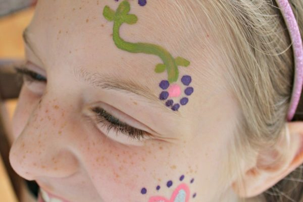 10 Simple Face Painting Designs That Are Quick and Easy! {Giveaway}