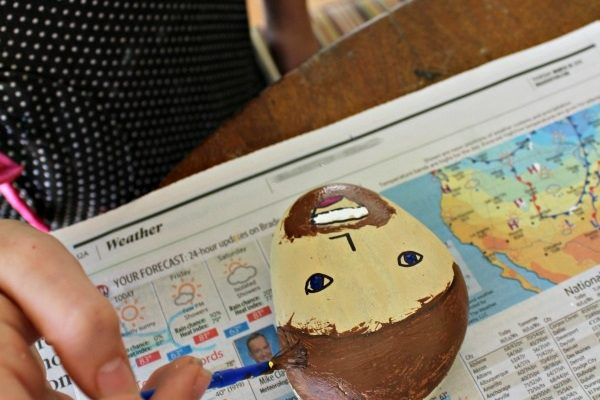 Decorate Kindness Rocks for A Father's Day Craft!